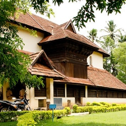 mosques in Kerala are important markers of a peripheral sub-culture ...