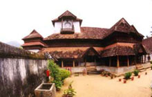 Padmanabhapuram Palace is an enticing piece to any lover of art