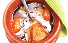 This Vanchikaaran delicacy is a special spicy fish curry usually made in Kottayam.
