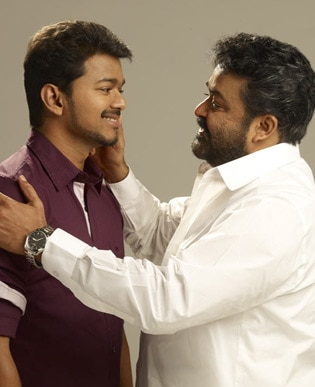 <p><span class='bannertitle'>Jilla stills</span><br /><span class='bannerdescription'>Stills from movie Jilla Starring mohanlal, vijay, kajal agarwal etc</span></p>